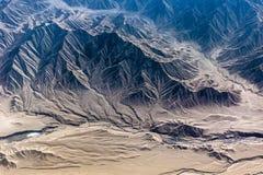 Bergen van het Himalayagebergte dat van vliegtuig wordt gezien stock foto