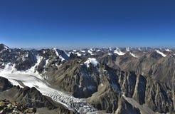 Bergen van Kyrgyzstan Royalty-vrije Stock Afbeeldingen