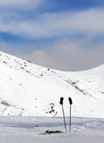 Bergen in wolken bij aardige de winterdag Royalty-vrije Stock Afbeelding