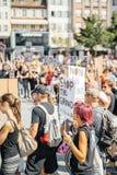 Berger de mer protestant contre l'arrestation de baleines pilotes d'abattage de Photographie stock libre de droits