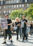 Berger de mer protestant contre l'arrestation de baleines pilotes d'abattage de Photos libres de droits