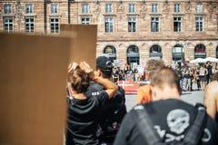 Berger de mer protestant contre l'arrestation de baleines pilotes d'abattage de Photo libre de droits