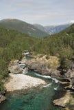 bergflod Arkivbilder
