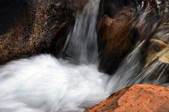 Bergflod royaltyfri bild