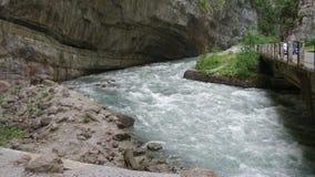 Bergflod i Abchazien Royaltyfria Bilder