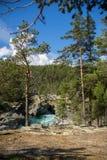 Bergflod i Norge sommartur Royaltyfria Foton
