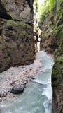Bergflod i Partnachklamm Arkivbilder