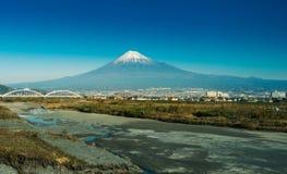 Bergfuji en fujirivier van de prefectuur van Shizuoka stock foto