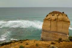 Berggipfel bei der zwölf Apostel-viktorianischen Küstenlinie Stockfotografie
