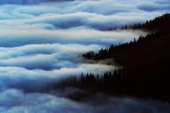 Berghav av moln Royaltyfri Fotografi