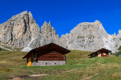 Berghelling in het Dolomiet Royalty-vrije Stock Foto's