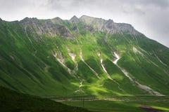 Berghelling van de Kaukasus royalty-vrije stock fotografie