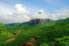 Bergigt landskap av Sierra Madre i Sinaloa Mexico royaltyfri foto