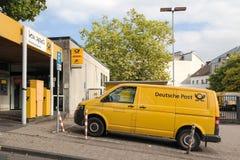 BERGISH GLADBACH, GERMANIA - 18 SETTEMBRE 2016: stazione della posta della Germania Fotografie Stock Libere da Diritti