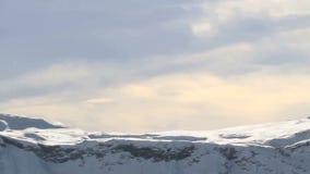 Bergketen van het Dolomietalpen van panoramabergtoppen de Italiaanse bij Zonsondergang stock footage