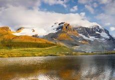 Bergketenlandschap, Rocky Mountains, Canada Stock Foto's