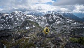Bergklättring i F. KR. 5 Arkivbild