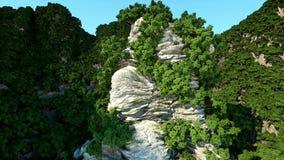 Bergklippen met bomen Luchtcameralengte Het landschap van de fantasie stock videobeelden