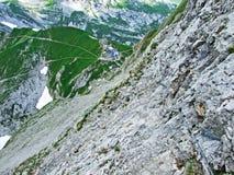 Bergkoja eller ¼tte Zwinglipass för SÄCK/HÃ eller Zwinglipass HÃ ¼tte, Sektion Toggenburg arkivbild