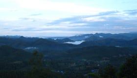 Berglagersikt i nordligt av Thailand Arkivfoto