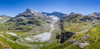 Berglandschaftspanorama im hohen Nationalpark Tauern, Au Lizenzfreies Stockbild