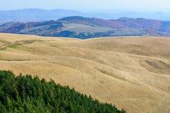 Berglandschap backgroud op daling De horizontale bergherfst Stock Afbeelding