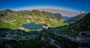 Berglandschap, Balea-Meer in Fagaras-bergen, Roemenië stock foto