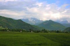 Berglandschap in bewolkt weer wordt geschoten dat Royalty-vrije Stock Foto's