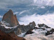 Berglandschap, de Andes, Argentinië Sunny Mountains met Zachte Blauwe Bewolkte Hemel royalty-vrije stock foto's