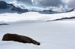 Berglandschap in de bergen van de Alpen van Europa royalty-vrije stock foto