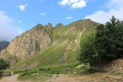 Berglandschap in de bergen van Azerbeidzjan wordt geschoten dat Stock Fotografie