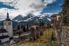 Berglandschap in Gruyeres, vallei van de Saane-rivier royalty-vrije stock afbeeldingen