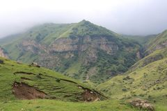 Berglandschap in het noorden van Azerbeidzjan Stock Fotografie