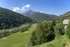 Berglandschap langs de weg aan Sestriere royalty-vrije stock foto's
