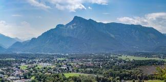 Berglandschap van de Alpen in Oostenrijk stock foto's