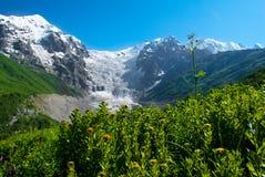 Berglandschap van gletsjer, Georgië Stock Foto's