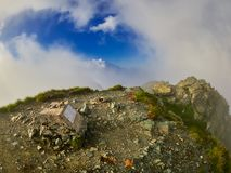 Berglandschap, wandelingssleep in Fagaras-bergen, Roemenië royalty-vrije stock afbeelding