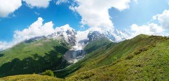 Berglandskap av glaciären, Georgia Royaltyfria Foton