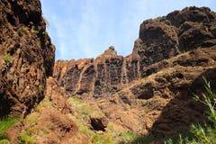 Berglandskap av klyftamaskaen Arkivfoton