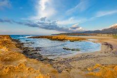 Berglandskap av Kreta nära Malia, Grekland Arkivfoton