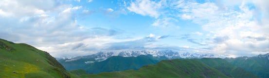 Berglandskap, Georgia fotografering för bildbyråer