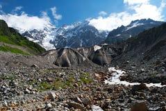 Berglandskap i Georgia arkivbilder