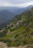 Berglandskap i Kaukasuset Arkivbilder