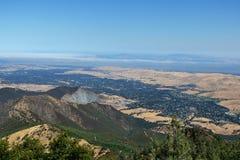 Berglandskap i monteringen Diablo State Park, nordliga Kalifornien arkivfoton