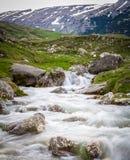 Berglandskap i Rumänien i vår Royaltyfri Bild
