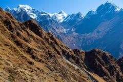 Berglandskap med ovanligt perspektiv Arkivfoton