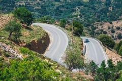 Berglandskap med vägen, Kreta, Grekland Arkivbild