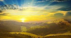 Berglandskap och soluppgång Arkivfoto
