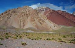 Berglandskap på den Aconcagua toppmötet Arkivbilder
