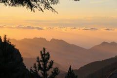 Berglandskap på soluppgång, Corse, Frankrike Royaltyfri Fotografi